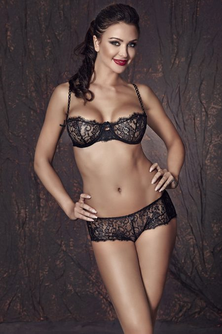 Anais-Lulie-lingerie-set-black-lace-set
